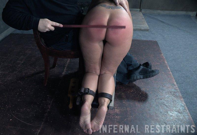bondage spanking for syren de mer
