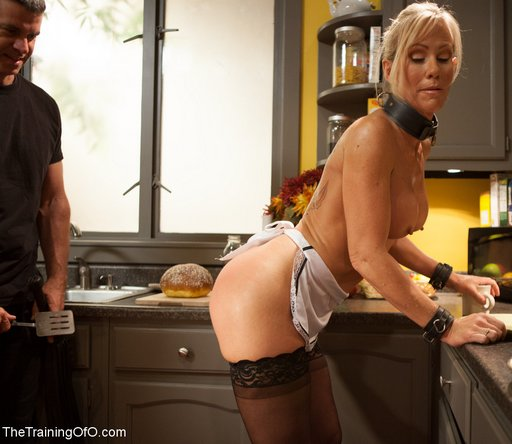 spatula spanking for domestic slave