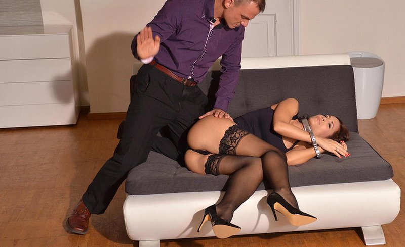 fiddle restraint spanking