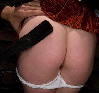 spanking laci laine