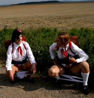 naughty school girls caught peeing in public