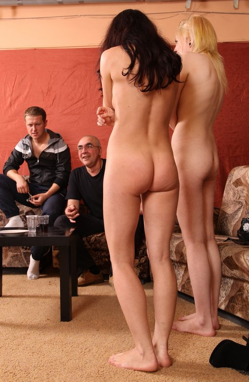 moscow-girls-spanked-02